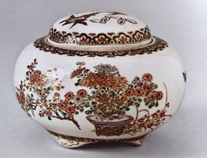 Японская керамика. Japanese tableware, pottery, porcelain